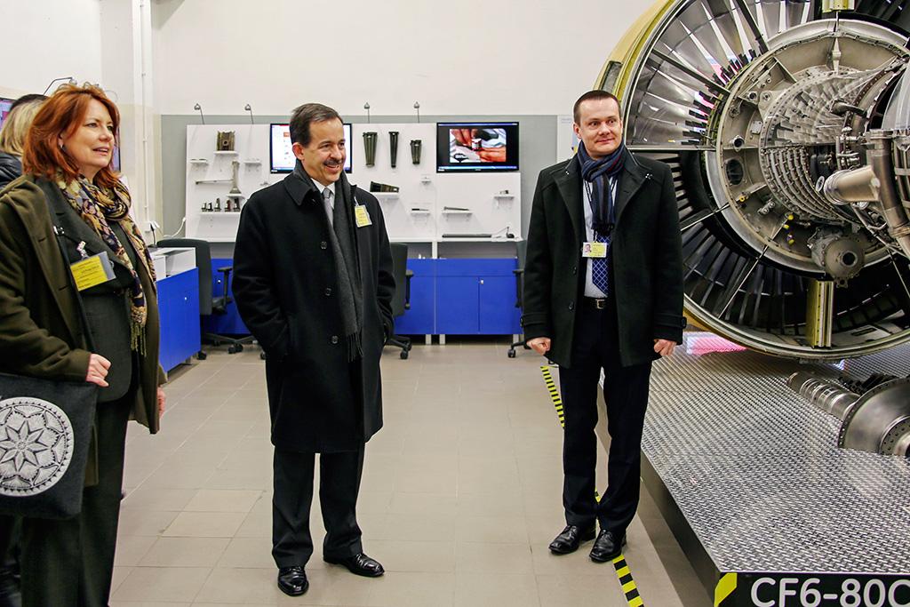 The US Ambassador visits EDC
